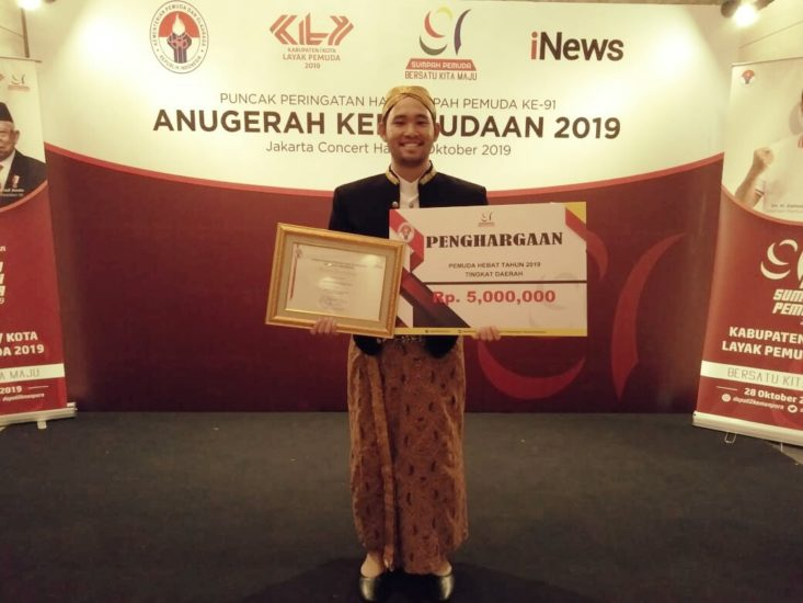 Ketua BEM Undip 2018 Sabet Penghargaan Nasional Pemuda Hebat Indonesia