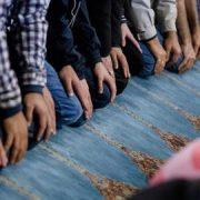 Gapapa Salat di Masjid, Tapi…..